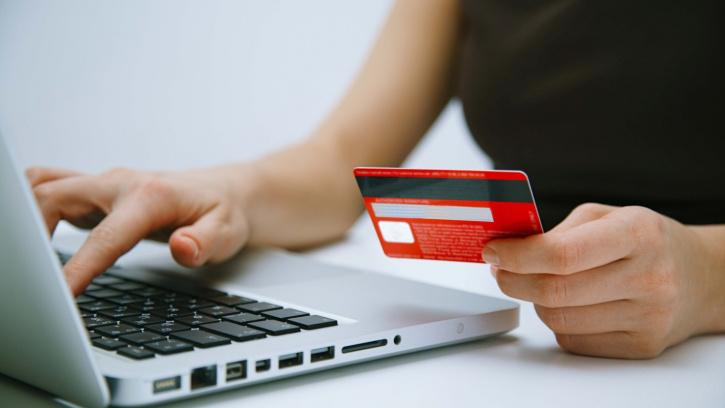ВЦКП: петербуржцы стали чаще оплачивать коммунальные счета онлайн