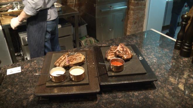 Рестораторы рассказали, почему петербуржцы все чаще травятся в общепите