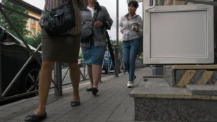В КРТИ объяснили, почему на Большой Зелениной узкие тротуары