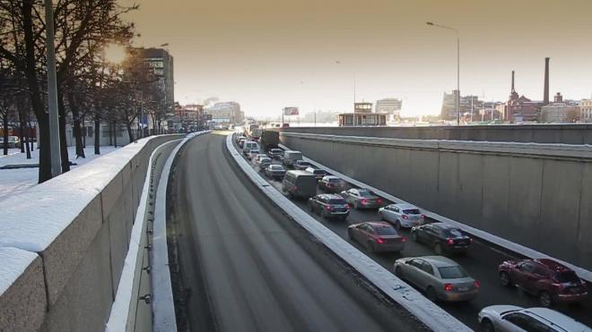В Петербурге 30 декабря пробки составили 2 балла