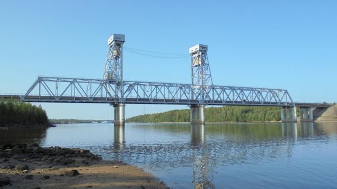 """Трассу """"Кола"""" перекроют на два часа из-за разводки моста через Свирь"""