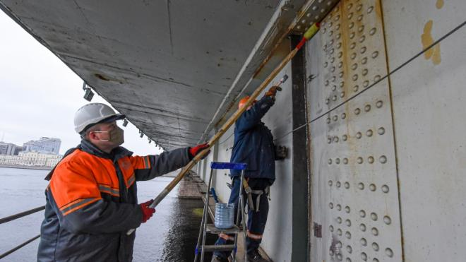 """""""Мостотрест"""" за год отмыл свыше 1,7 млн квадратных метров элементов переправ"""