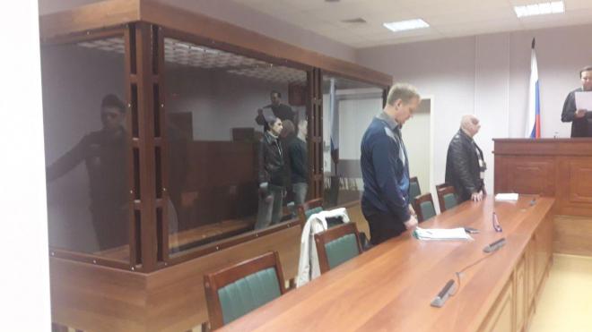 В Петербурге наркоторговцев осудили на 16 и 11 лет тюрьмы