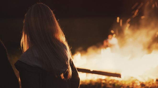 В ночном пожаре на Ушинского выгорела квартира