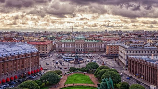 В пятницу на Петербург обрушатся ливни и грозы