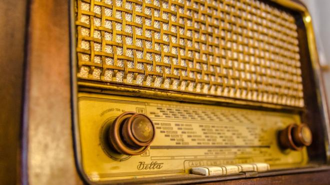 Украинские радиостанции обновили квоты для песен: каждая третья должна быть на украинском языке