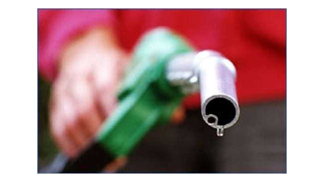 Бензин в России становится все дороже