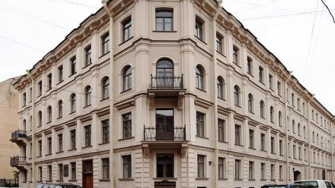 В музее-квартире Достоевского обновят экспозицию к 200-летию со дня рождения писателя