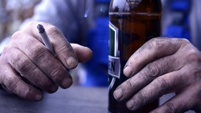 Минздрав призывает запретить продажу табака и алкоголя в жилых районах