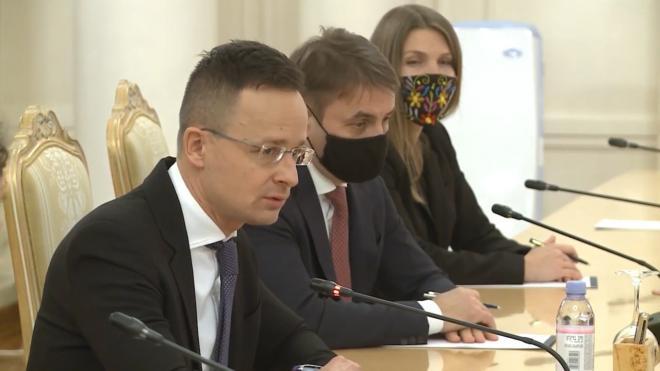 В Венгрии заявили, что резолюция Европарламента по Навальному не повлияет на связи с РФ