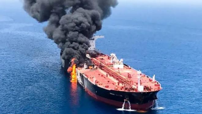Принадлежащее Израилю грузовое судно повреждено взрывом в Оманском заливе