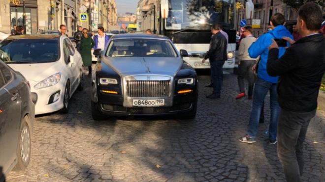 """В Петербурге займутся делом московского нарушителя на """"Rolls-Royce"""""""