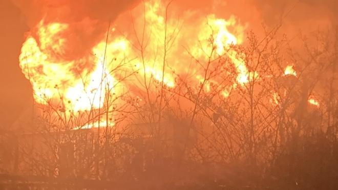 После гибели трех людей в пожаре в Парголово возбудили уголовное дело