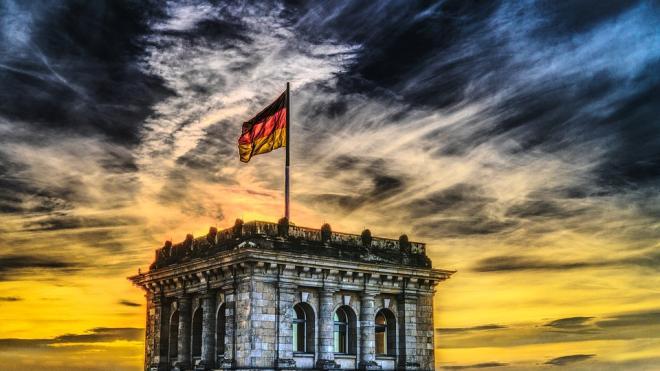 """Германия отреагировала на возможные санкции США против """"Северного потока-2"""""""
