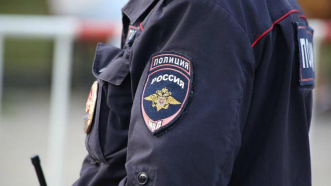 Полиция Петербурга ищет мужчину, которого обвиняют в домогательствах к ребёнку