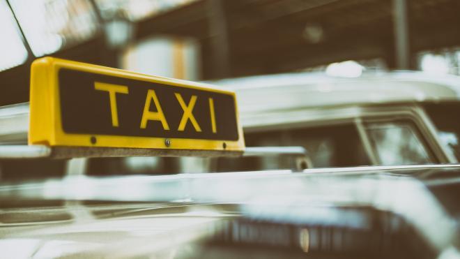 В Москве школьник более полугода делал таксисту интимный массаж