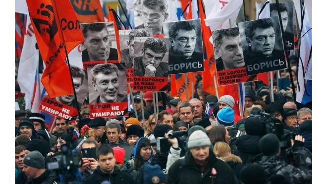 Власти Петербурга попросили учителей не пускать школьников на акцию памяти Бориса Немцова