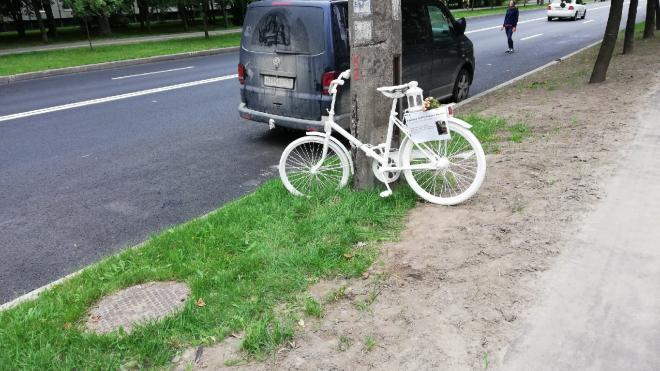 В Петербурге появился мемориал погибшим велосипедистам