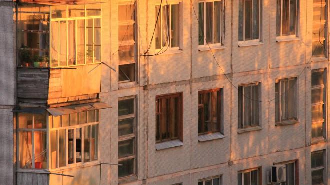 Депутаты предложили не штрафовать петербуржцев за остекление балконов