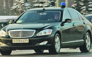 """Медведев возмущен. Даже экологи идут во власть за """"мигалками"""""""