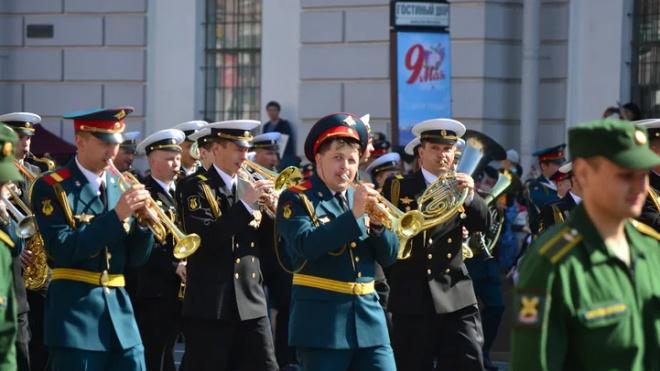 В центре Петербурга ограничат движение из-за подготовки и проведения торжественного парада