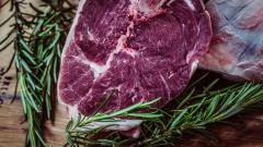 """Петербургская компания """"Бигбокс"""" задолжала 2,6 млн производителю говядины из Подмосковья"""