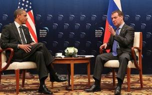 Медведев пригласил Обаму в Петербург