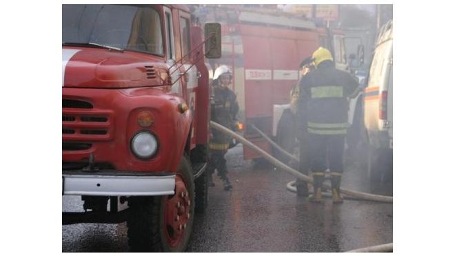 Невский проспект перекрыт из-за пожара