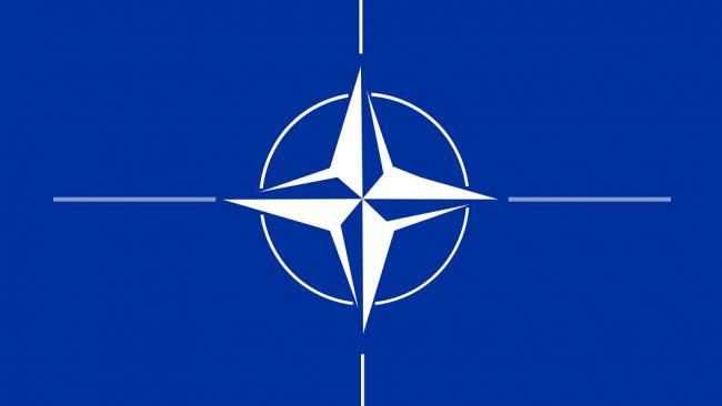 Столтенберг заявил о готовности к столкновению и сотрудничеству с Россией