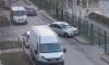 Забор на Матроса Железняка стал местом парковки каршеринга