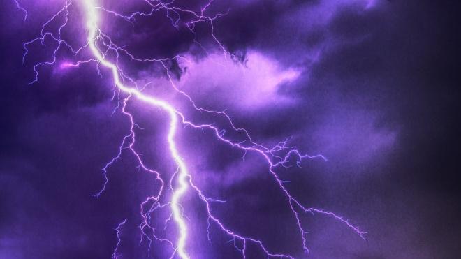 В Омской области 15-летнего подростка убила молния