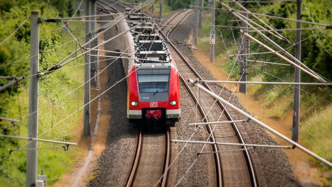 В Забайкалье с поезда сняли голого пассажира