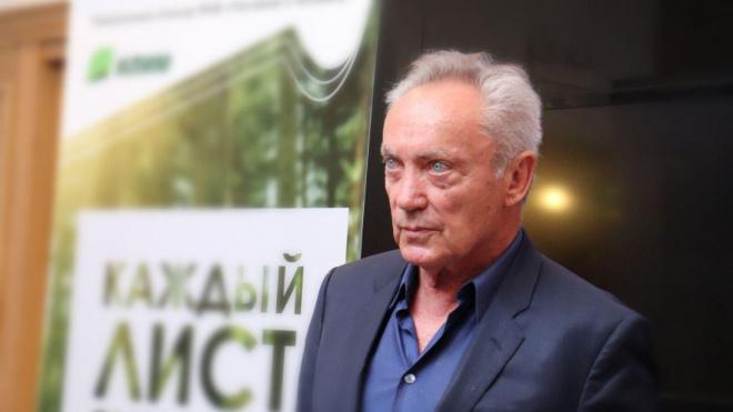 Удо Киру в Петербурге подарили его портрет