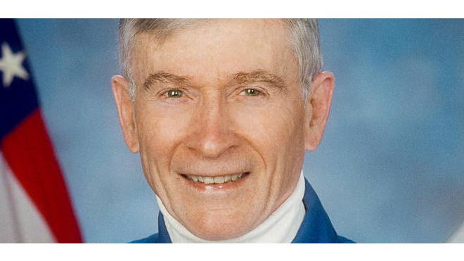 Американский астронавт Джон Янг, побывавший на Луне, скончался на 88-м году жизни
