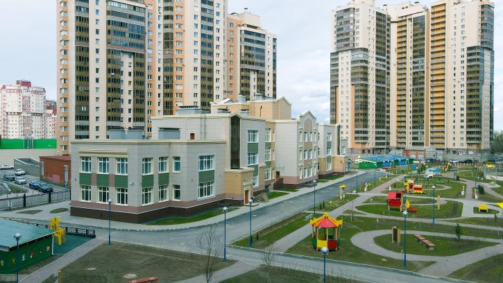 Новый детский сад с автошколой окрыли на Яхтенной улице