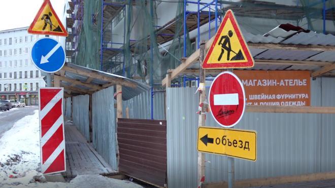 Проезд по участку Приморского шоссе ограничат до конца мая