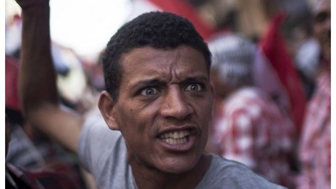 В египетском городе Шарм-эль-Шейх демонстранты атаковали российских туристов