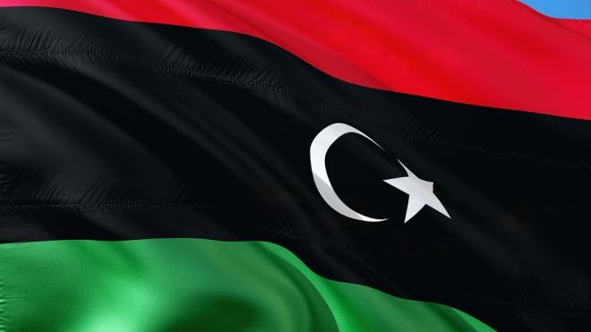 СМИ Ливии: сильный пожар возник на военно-морской базе близ Триполи