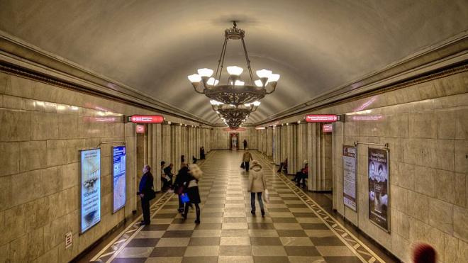 """Станцию метро """"Владимирская"""" и переход с """"Достоевской"""" закрыли"""