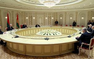 Эксперт: губернатор Архангельской области провалил встречу с Лукашенко