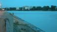 На Октябрьской набережной «Газель» рухнула в Неву, ...