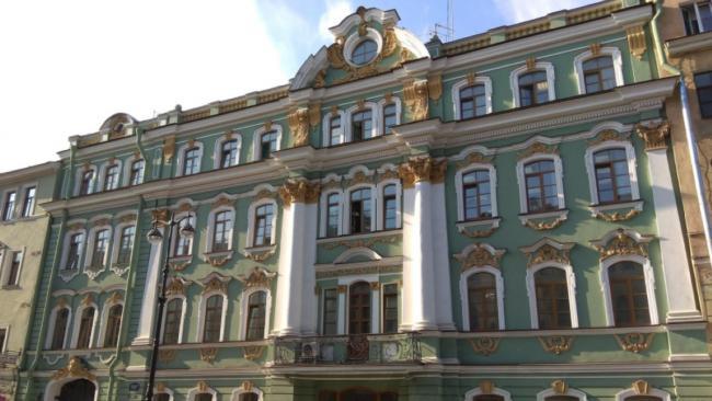 ВТБ выставил на торги особняк за 252 млн рублей в Петербурге