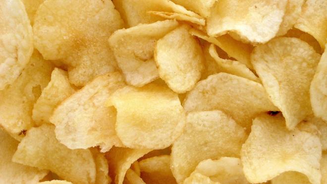 Эксперты назвали марки самых качественных картофельных чипсов