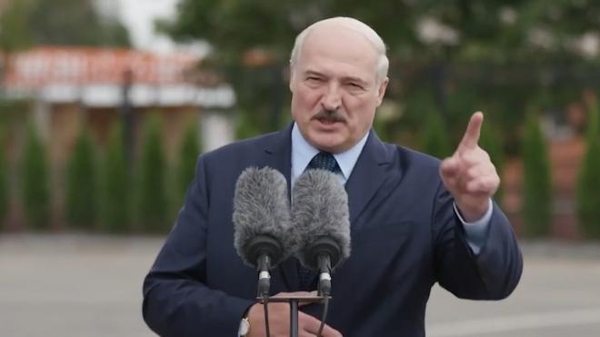 Лукашенко прокомментировал полет Ту-160 вдоль границ Белоруссии