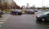 В Петербурге в результате ДТП два авто оказались на тротуаре