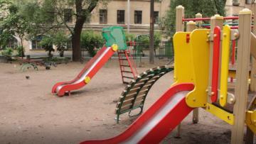Администрация Усть-Ижоры потратит на детские площадки 3.4 млн рублей
