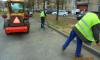 Дворники-стахановцы за неделю очистили Петербург от 4.5 тысяч тонн грязи