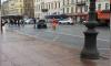 Загоревшийся Renault заблокировал движение Невского проспекта