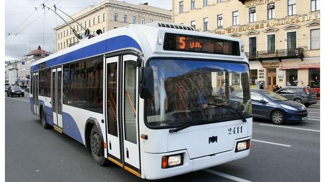 По Суворовскому проспекту в Петербурге временно не ходят троллейбусы