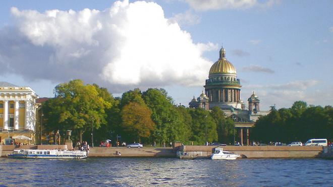На ремонт Курляндской улицы и Адмиралтейской набережной выделили около 86 млн рублей